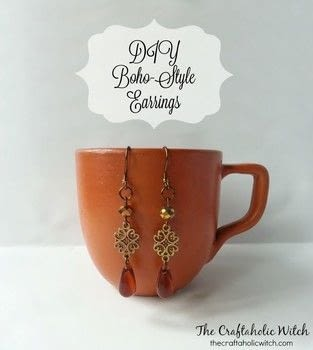 DIY Earrings .  Free tutorial with pictures on how to make a dangle earring in under 15 minutes by jewelrymaking with jewelry pliers, crafting wire, and teardrop bead. Inspired by bohemian. How To posted by Muhaiminah Faiz.  in the Jewelry section Difficulty: Simple. Cost: 3/5. Steps: 4