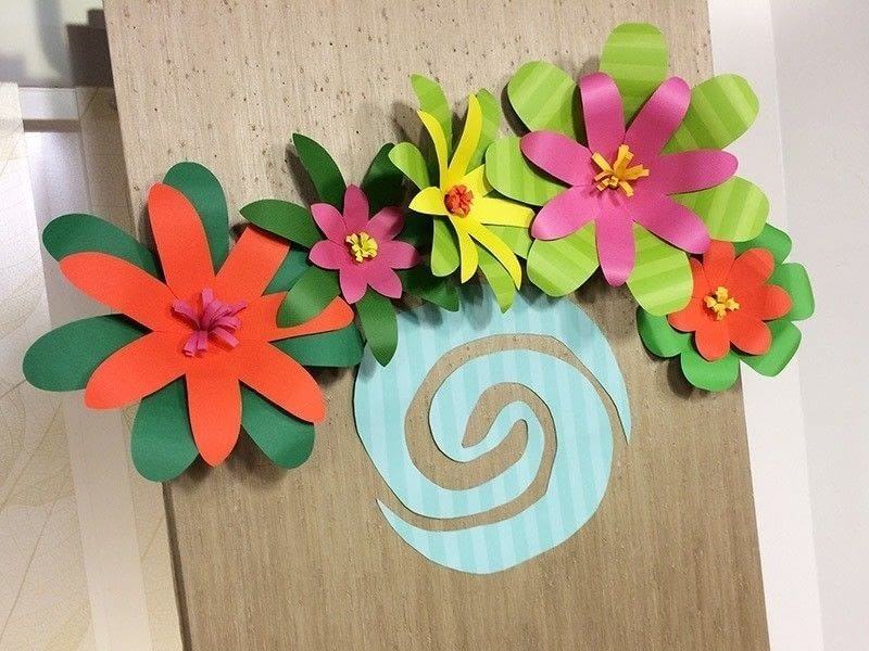 Giant paper flowers for a moana party how to make a paper flower 1 mightylinksfo Images