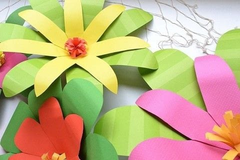 Giant paper flowers for a moana party how to make a paper flower free make giant paper tropical flowers for a moana party or luau this summer free mightylinksfo