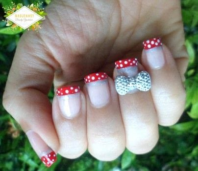 It's super easy and perfect for beginners .  Free tutorial with pictures on how to paint a character nail in under 20 minutes using nail polish, bow, and dotting tool. Inspired by disney and mickey & minnie mouse. How To posted by Jennifer R.  in the Beauty section Difficulty: Easy. Cost: Cheap. Steps: 1
