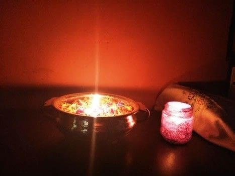 Make your own Glitter Jar and Tealight Candles at home .  Free tutorial with pictures on how to make a candle in under 30 minutes using toothpick, wax, and mason jar. How To posted by rajiscrafthobby.  in the Home + DIY section Difficulty: Easy. Cost: Cheap. Steps: 7