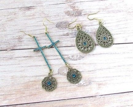 Two projects in one! .  Free tutorial with pictures on how to make a set of metal earrings in under 45 minutes by jewelrymaking with jewelry basics metal charms, connectors, and earring wires. How To posted by Shelly O.  in the Jewelry section Difficulty: Easy. Cost: Cheap. Steps: 3