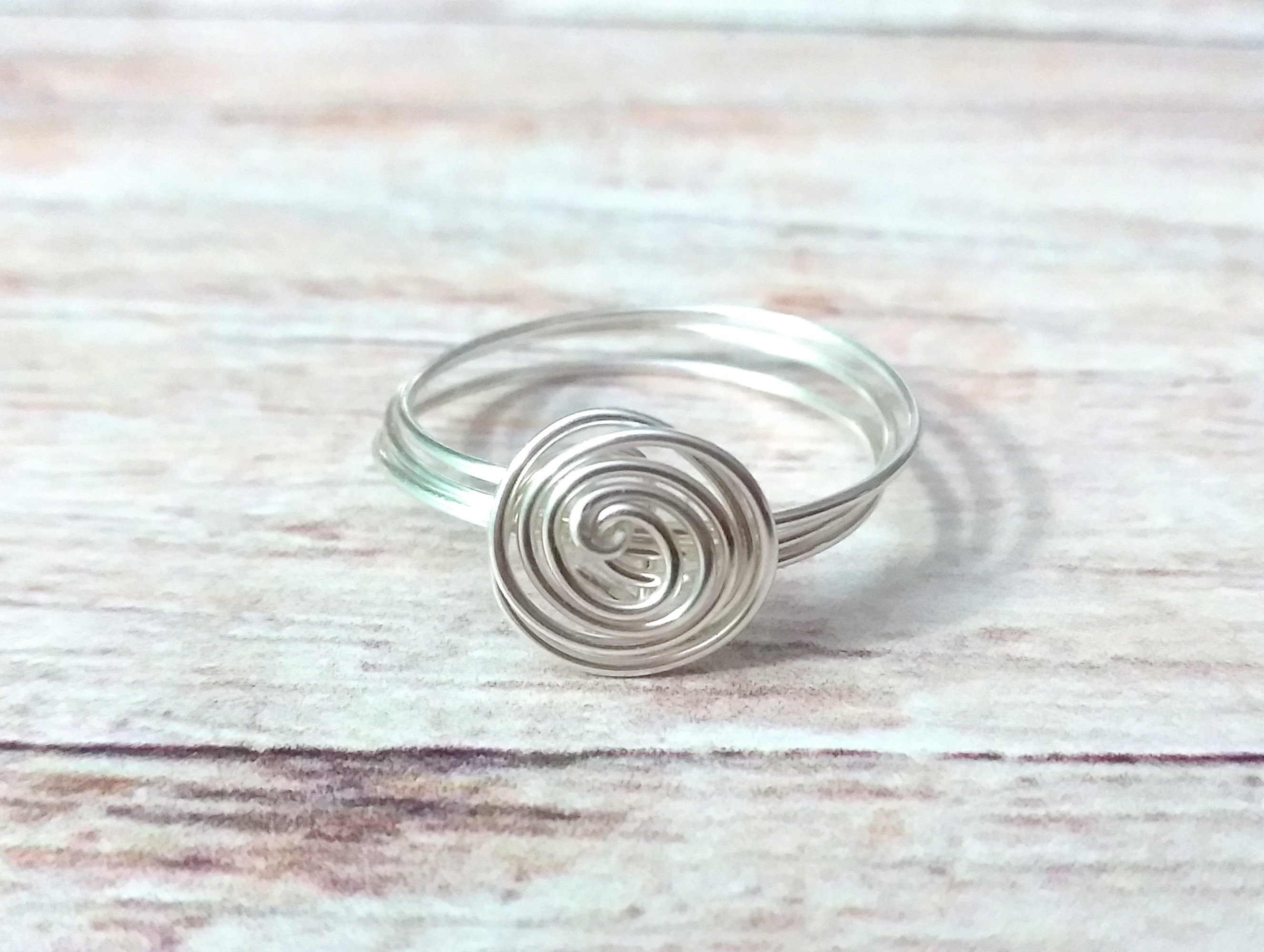 Super Quick Wire Spiral Ring · How To Make A Wire Swirl Ring ...