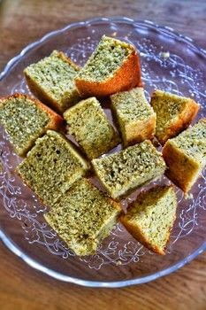Quick and easy cornbread with lots of herbs and black pepper. .  Free tutorial with pictures on how to bake cornbread in under 25 minutes by baking with soya milk , vinegar, and butter. Recipe posted by Cat Morley.  in the Recipes section Difficulty: Simple. Cost: Cheap. Steps: 8