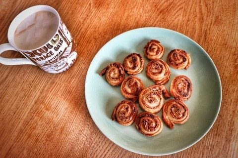 Mini cinnamon rolls with peanut butter! .  Free tutorial with pictures on how to bake a cinnamon roll in under 10 minutes by baking with puff pastry, peanut butter, and brown sugar. Recipe posted by Cat Morley.  in the Recipes section Difficulty: Simple. Cost: Cheap. Steps: 8