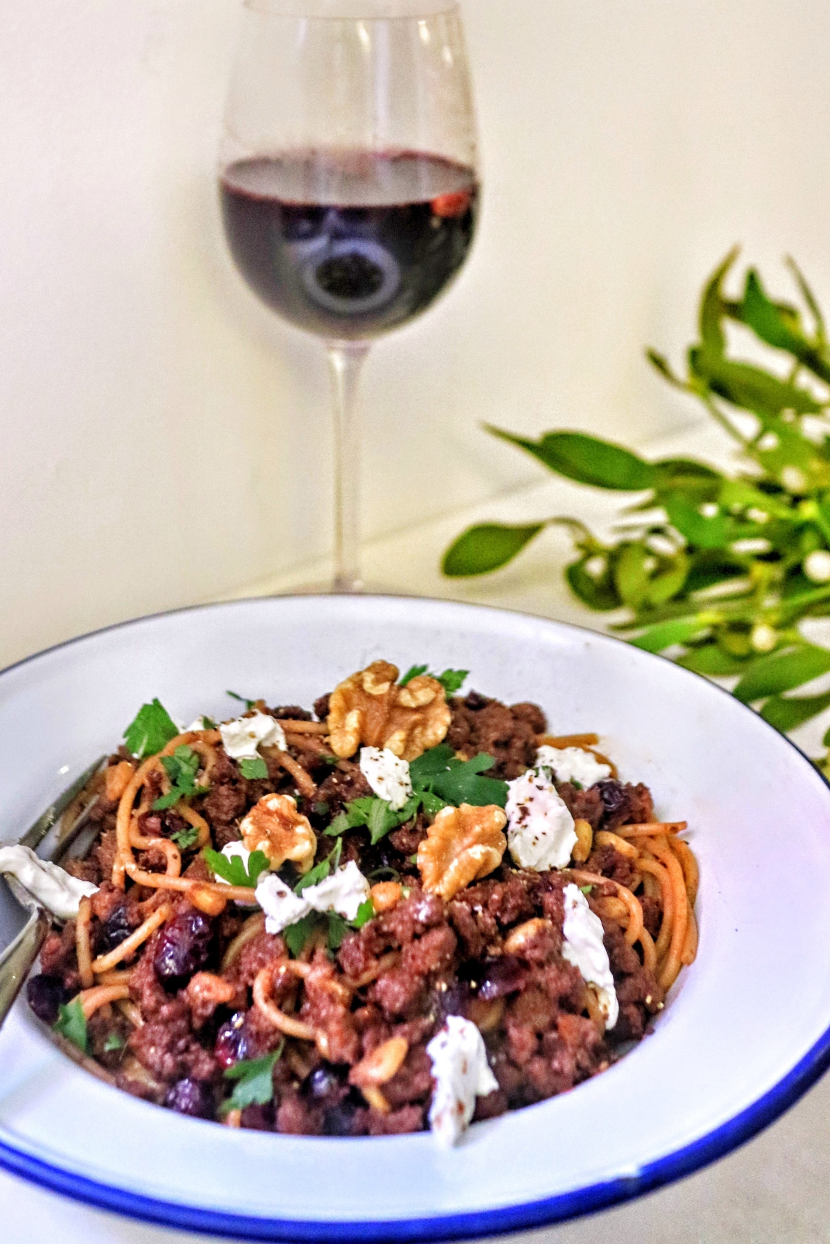Mulled wine spaghetti bolognese how to cook a spaghetti dish mulled wine infused vegetarian spaghetti bolognese with pine nuts walnuts cranberries and goats cheese forumfinder Choice Image