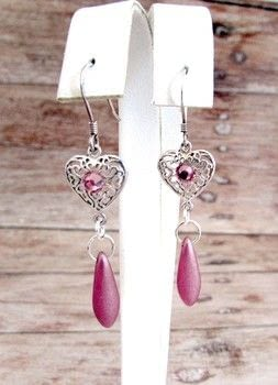 Elegant and Simple Romantic Earrings .  Free tutorial with pictures on how to make a dangle earring in under 30 minutes by jewelrymaking with glass, jump rings, and jump rings. How To posted by Shelly O.  in the Jewelry section Difficulty: Easy. Cost: 3/5. Steps: 3