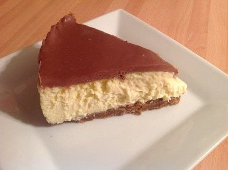 .  Free tutorial with pictures on how to bake a cheesecake in under 120 minutes by cooking and baking with biscuits, butter, and cream cheese. Recipe posted by Super Madcow.  in the Recipes section Difficulty: Easy. Cost: 3/5. Steps: 12
