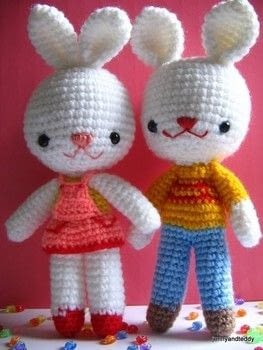 Crochet bunnies .  Free tutorial with pictures on how to make rabbit plushie in 6 steps by crocheting and amigurumi with acrylic yarn, eyes, and stuffing. How To posted by jennyandteddy.  in the Yarncraft section Difficulty: Easy. Cost: Cheap.