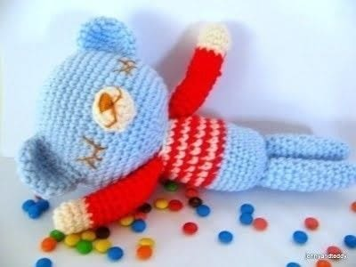 Crochet Mr. Teddy Sleepy Bear .  Free tutorial with pictures on how to make a bear plushie in 3 steps using acrylic yarn, eyes, and fiberfill. How To posted by jennyandteddy.  in the Yarncraft section Difficulty: Easy. Cost: Cheap.