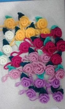 Bag tags .  Stitch a knit or crochet bag in under 10 minutes by yarncrafting and crocheting with hook and wool. Creation posted by terri w.  in the Yarncraft section Difficulty: Easy. Cost: Absolutley free.