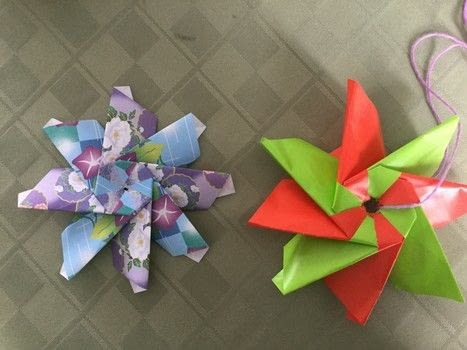 .  Free tutorial with pictures on how to make an origami flower in under 20 minutes by papercrafting, paper folding, and paper folding with 8 pieces of same-sized paper. Inspired by flowers, stars, and plants, flowers & trees. How To posted by The Dark Vixen.  in the Papercraft section Difficulty: Simple. Cost: Absolutley free. Steps: 26