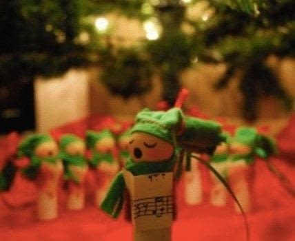 Fun Christmas DIY Decorations made from recycled wine corks .  Make an ornament in under 150 minutes by creating, embellishing, and sewing with felt, thread, and ribbon. Inspired by christmas. Creation posted by Bangor C.  in the Other section Difficulty: Simple. Cost: Cheap.