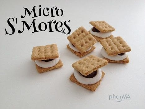Easy to make Mini S'Mores .  Free tutorial with pictures on how to make a s'more in under 5 minutes by baking with graham crackers. Recipe posted by The PharMA.  in the Recipes section Difficulty: Easy. Cost: No cost. Steps: 4
