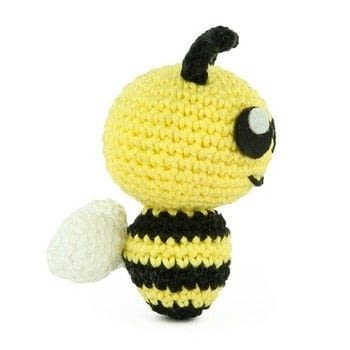 .  Free tutorial with pictures on how to make a bee plushie in 6 steps by amigurumi with crochet hook, yarn, and yarn. Inspired by bees. How To posted by Sabrina S.  in the Yarncraft section Difficulty: Easy. Cost: No cost.