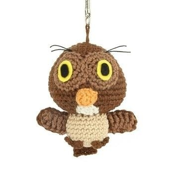 .  Free tutorial with pictures on how to make a bird plushie in 10 steps using felt, yarn, and yarn. Inspired by owls. How To posted by Sabrina S.  in the Yarncraft section Difficulty: Simple. Cost: No cost.