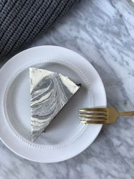 Black Sesame Marble Cheesecake Recipe .  Free tutorial with pictures on how to bake a cheesecake in 7 steps by baking with cookies, sesame seeds, and egg yolk. Recipe posted by mimi n.  in the Recipes section Difficulty: 3/5. Cost: 3/5.