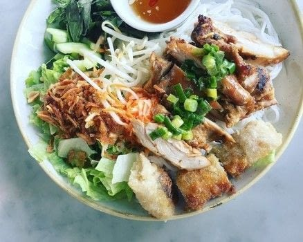 Vietnamese Cold Noodle Bowl Recipe .  Free tutorial with pictures on how to cook noodles in under 60 minutes by cooking with chicken, canola oil, and fish sauce. Inspired by vietnamese. Recipe posted by mimi n.  in the Recipes section Difficulty: Simple. Cost: Cheap. Steps: 4