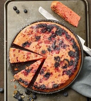 Cast Iron Skillet Dump Cakes .  Free tutorial with pictures on how to bake a strawberry cake in under 60 minutes by baking with butter, strawberry, and blueberries. Recipe posted by GMC Group.  in the Recipes section Difficulty: Simple. Cost: Cheap. Steps: 8