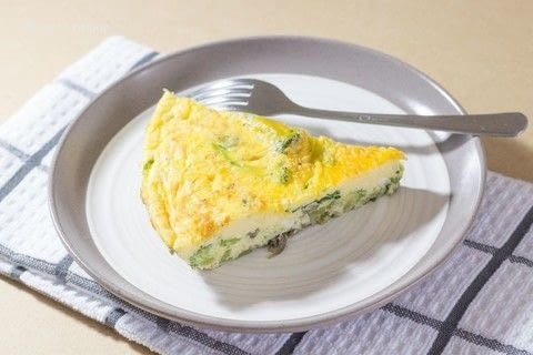 Easy Oven Baked Egg Frittata Recipe .  Free tutorial with pictures on how to cook a frittata in under 30 minutes by cooking with eggs, milk, and garlic cloves. Recipe posted by Cleo T.  in the Recipes section Difficulty: Easy. Cost: 3/5. Steps: 5