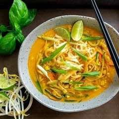 Coconut Curry Noodles With Fresh Vegetables