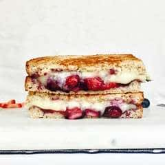 Caramelized Berry Brie Grilled Cheese