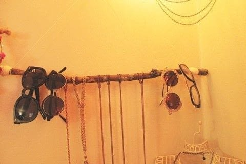 An eco friendly way to get that boho feel into your home. .  Free tutorial with pictures on how to make a jewelry hanger in under 60 minutes using branch, twine, and sealer. Inspired by bohemian. How To posted by KatieLikeMe.  in the Home + DIY section Difficulty: Easy. Cost: Absolutley free. Steps: 6