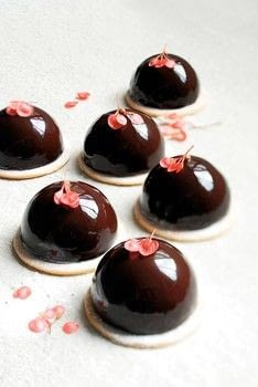 Le Cordon Bleu's Pastry School .  Free tutorial with pictures on how to bake a pastry in under 120 minutes by cooking and baking with eggs, sugar, and dark chocolate. Recipe posted by Grub Street Publishing.  in the Recipes section Difficulty: 3/5. Cost: 3/5. Steps: 27