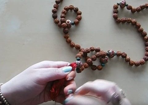 How to Make a Mala with Shakti in Winnipeg .  Free tutorial with pictures on how to bead a wooden bead necklace in under 25 minutes by beading and jewelrymaking with beads, embroidery floss, and string. How To posted by Shop Showcase.  in the Jewelry section Difficulty: Simple. Cost: Cheap. Steps: 1