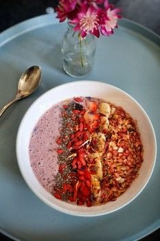 Berry & banana smoothie bowl topped with ginger granola, chia and goji berries! .  Free tutorial with pictures on how to make a smoothie bowl in under 5 minutes by cooking with banana, berries, and soya milk . Recipe posted by Cat Morley.  in the Recipes section Difficulty: Simple. Cost: Cheap. Steps: 8