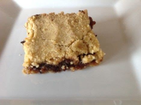 .  Free tutorial with pictures on how to bake a bar / slice in under 45 minutes by cooking and baking with self-raising flour, butter, and light brown sugar. Recipe posted by Super Madcow.  in the Recipes section Difficulty: Easy. Cost: Cheap. Steps: 7