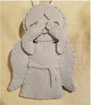 .  Free tutorial with pictures on how to make a character plushie in under 60 minutes by sewing with felt, embroidery floss, and scissors. Inspired by dr who and angels. How To posted by Missy C.  in the Needlework section Difficulty: Simple. Cost: Cheap. Steps: 1