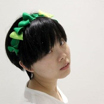 Make a leafy headband from felt .  Free tutorial with pictures on how to make a hairband / headband in under 30 minutes by not sewing with felt, wire, and elastic band. How To posted by From Scratch Indonesia (Craft).  in the Other section Difficulty: Easy. Cost: Cheap. Steps: 4