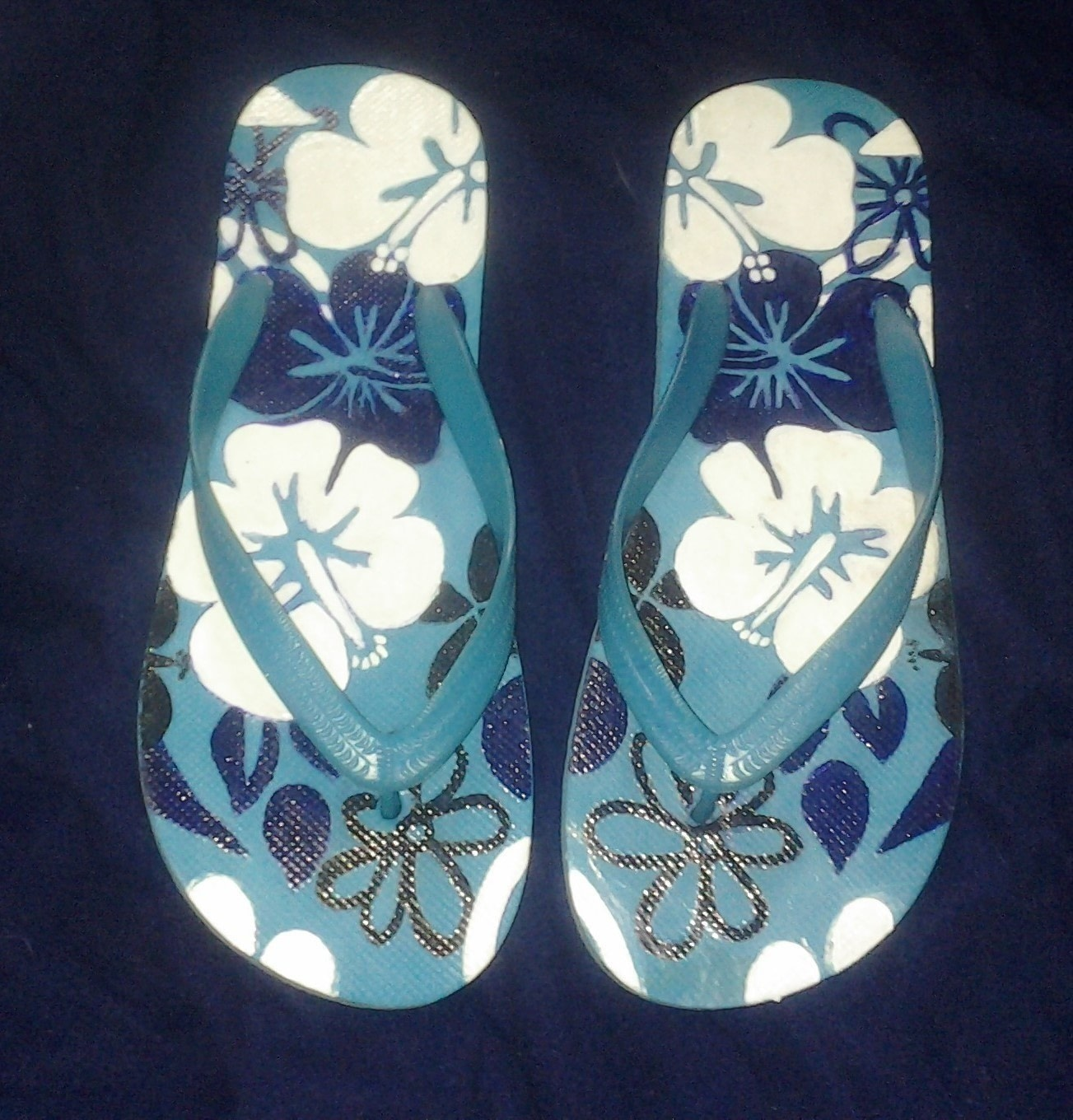 0f71be0860c56 The process of make the shoes . Make a sandal   flip flop using pencil