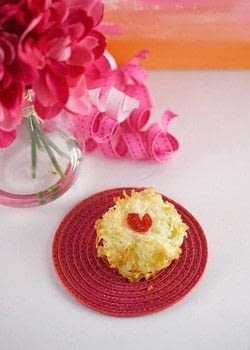 Cherry hearts make these an easy Valentine's Day treat! .  Free tutorial with pictures on how to bake a macaroon in under 30 minutes by baking with coconut, sugar, and flour. Inspired by valentine's day. Recipe posted by Lori .  in the Recipes section Difficulty: Easy. Cost: Cheap. Steps: 5