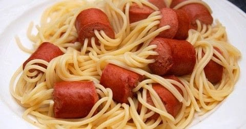 Hot Dog and Spaghetti Recipe To satisfy everybody .  Free tutorial with pictures on how to cook a spaghetti dish in under 30 minutes using sausage, spaghetti, and seasoning. Recipe posted by Alice M.  in the Recipes section Difficulty: Easy. Cost: Cheap. Steps: 4