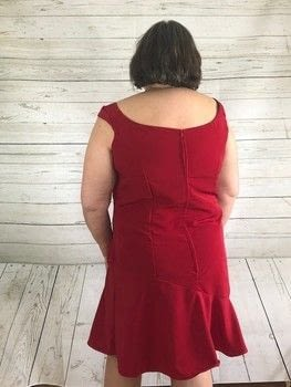 Vogue #1542 .  Free tutorial with pictures on how to make a dress in under 180 minutes by hand sewing with thread, invisible zipper, and fabrics. How To posted by Jessica Cramer.  in the Sewing section Difficulty: 3/5. Cost: No cost. Steps: 3