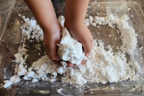 Did you know you can make your own snow? .  Free tutorial with pictures on how to make a toy in under 5 minutes by cooking with baking tray, measuring cup, and baking soda. Inspired by christmas, kids, and snowflakes. How To posted by Echo.  in the Other section Difficulty: Simple. Cost: Absolutley free. Steps: 4