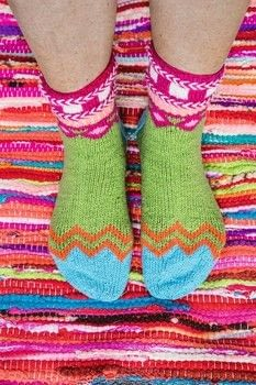 Socks from Norway .  Free tutorial with pictures on how to make a sock in 6 steps by knitting with yarn and knitting needles. How To posted by Search Press.  in the Yarncraft section Difficulty: 3/5. Cost: Cheap.