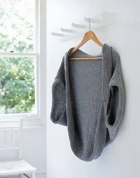 Get Knooking .  Free tutorial with pictures on how to make a cardigan in 3 steps by yarncrafting and crocheting with worsted weight yarn, knooking hook, and sewing needle. How To posted by Ryland Peters & Small.  in the Yarncraft section Difficulty: 3/5. Cost: 3/5.