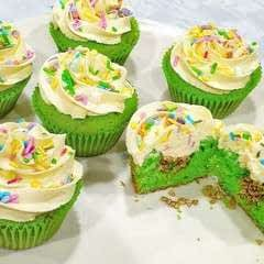 Lucky Charm Cupcake Surprise