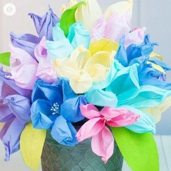 The easiest crepe paper flwoers .  Free tutorial with pictures on how to make a paper flower in under 35 minutes by papercrafting with crepe paper, millinery stems, and floral wire. How To posted by Irena C.  in the Papercraft section Difficulty: Easy. Cost: Cheap. Steps: 5