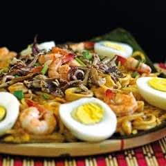 "Seafood ""Malabon"" Noodles"