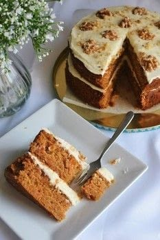 .  Free tutorial with pictures on how to bake a carrot cake in under 75 minutes using vanilla extract, vanilla extract, and baking powder. Inspired by vegan, cake, and carrot. Recipe posted by Jane Toner.  in the Recipes section Difficulty: Simple. Cost: 3/5. Steps: 7