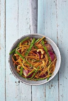 Vegan One Pound Meals .  Free tutorial with pictures on how to cook noodles in under 15 minutes by cooking with rice noodles, red onion, and sesame oil. Inspired by vegan and chinese. Recipe posted by Hodder & Stoughton.  in the Recipes section Difficulty: Simple. Cost: Cheap. Steps: 2