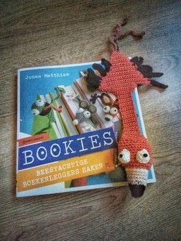 This flamingo will always know where you are .  Crochet a bookmark by crocheting with crochet hook and cotton wool. Inspired by books and flamingo. Creation posted by leentje.gorissen.  in the Yarncraft section Difficulty: Simple. Cost: Absolutley free.