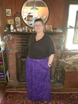 Whatever your body size or shape, you can have a custom skirt .  Free tutorial with pictures on how to sew an elastic waist skirt in under 120 minutes by sewing with yardstick, pins, and thread. How To posted by Laurinda P.  in the Sewing section Difficulty: Simple. Cost: 3/5. Steps: 11