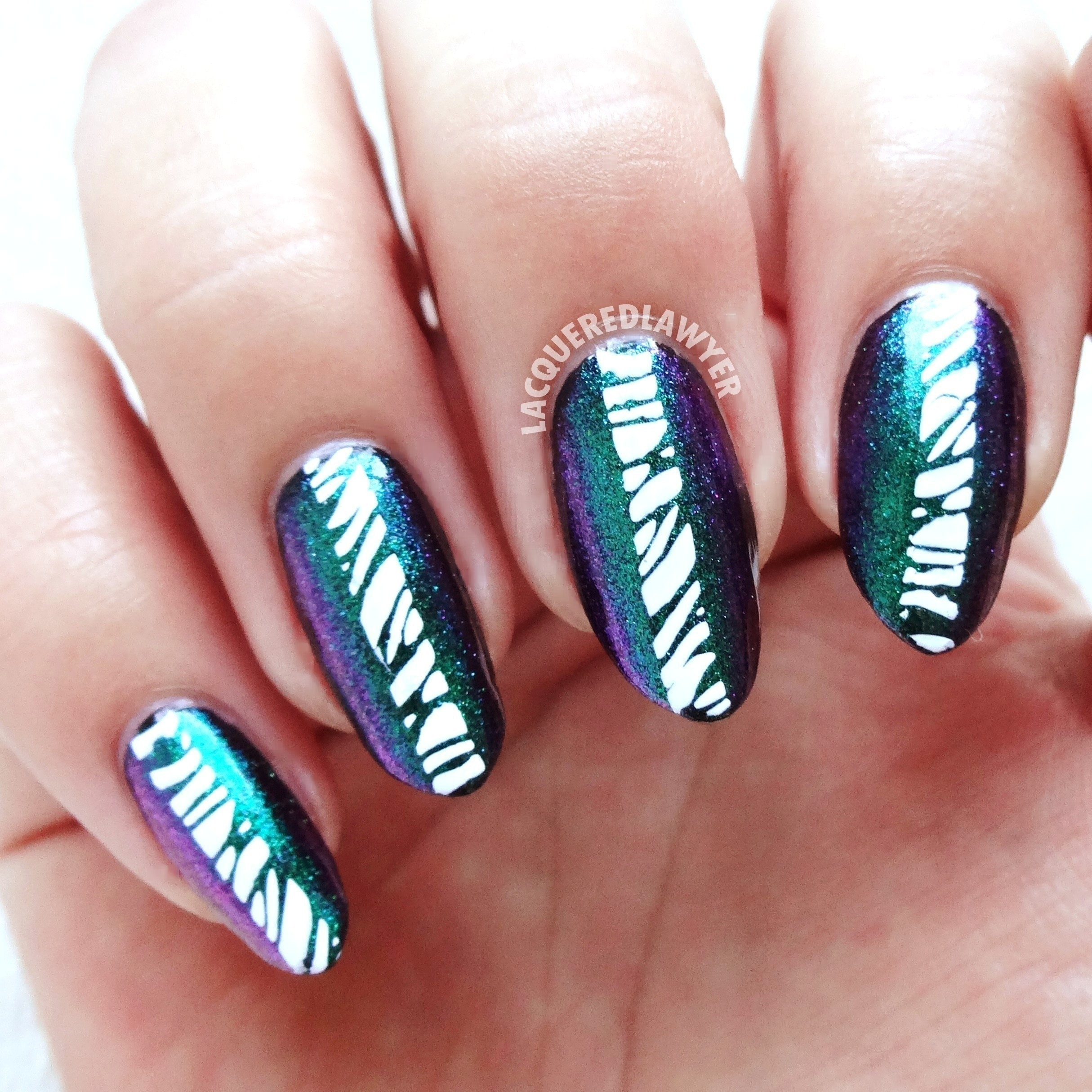 Emerald Expression · How To Paint A Glitter Nail · Beauty