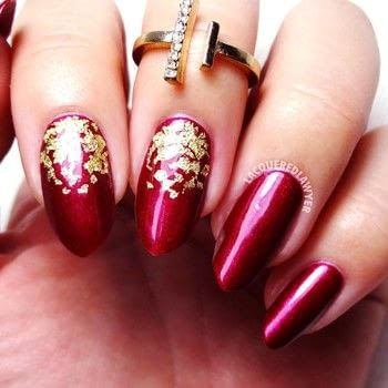 Easy Glam .  Free tutorial with pictures on how to paint a nail painting in under 60 minutes using red nail polsih, clear top coat, and gold nail foil. How To posted by Lacquered Lawyer.  in the Beauty section Difficulty: Easy. Cost: Cheap. Steps: 2