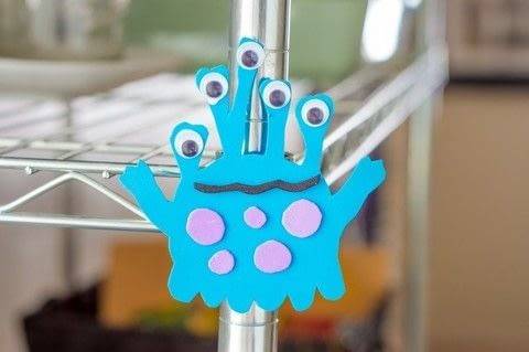 Make an adorable fridge-frequenting friend! .  Free tutorial with pictures on how to make a magnet in under 30 minutes by decorating with scissors, white glue, and foam. Inspired by monsters. How To posted by Diane H.  in the Other section Difficulty: Easy. Cost: Cheap. Steps: 3